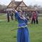 Vous devez à tout prix voir ça: ces filles russes dansent avec des sabres