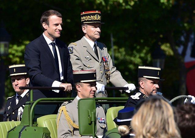 mmanuel Macron et Pierre de Villiers