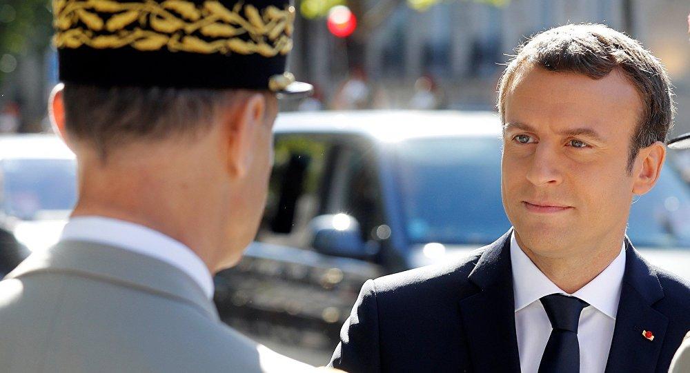 Emmanuel Macron à Istres pour entamer la réconciliation avec les militaires