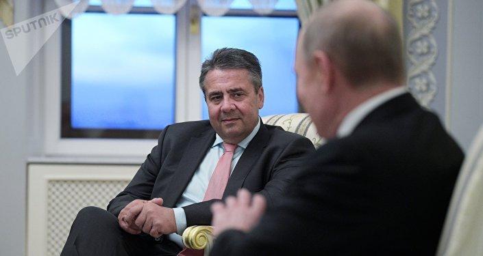 Vladimir Poutine et Sigmar Gabriel