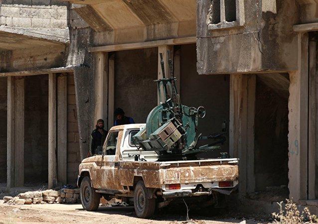 L'artillerie russe apprend à faire barrage aux pick-ups des djihadistes