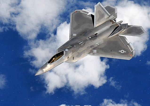 Un F-22 Raptor
