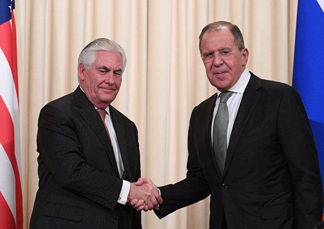 Sergueï Lavrov et Rex Tillerson à Moscou