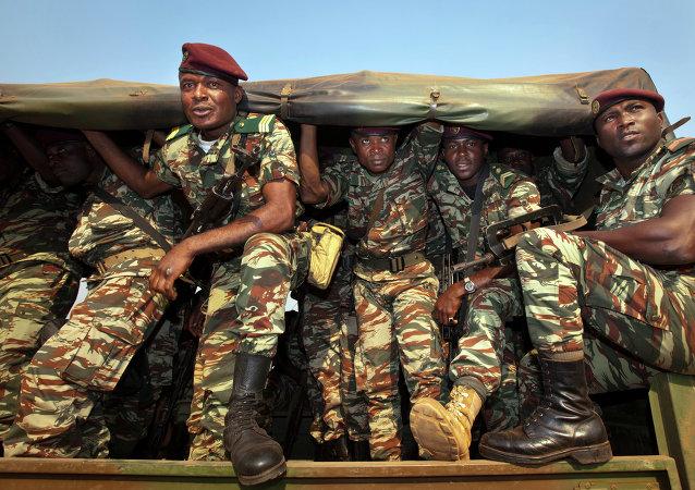 Militaires, Cameroun