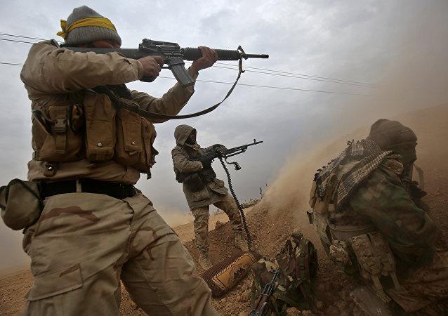 Les combattants de Hachd al-Chaabi au sud de la ville irakienne de Tal Afar