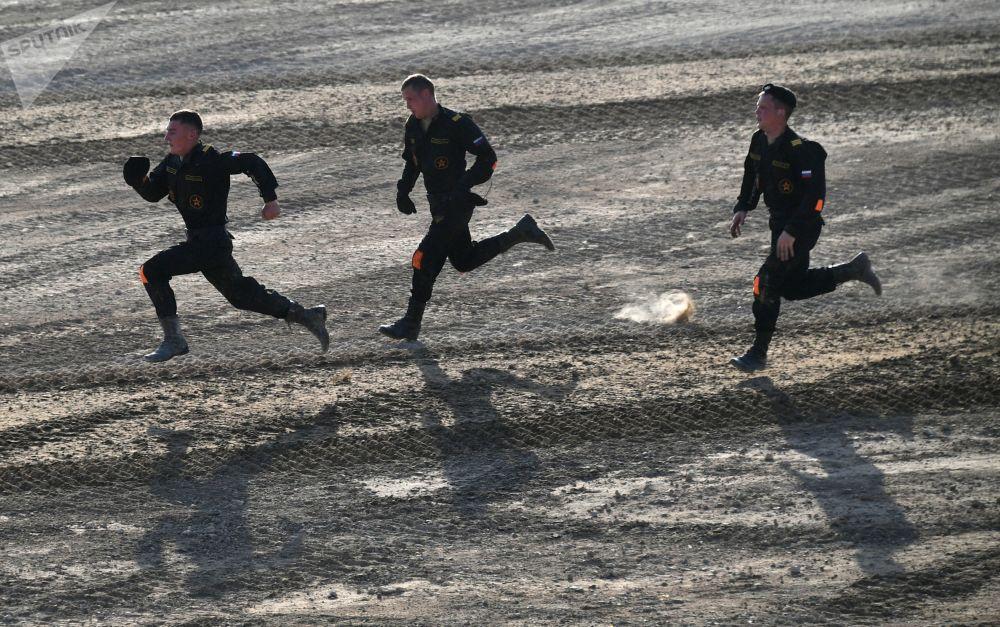 Des membres de l'équipe de l'armée russe