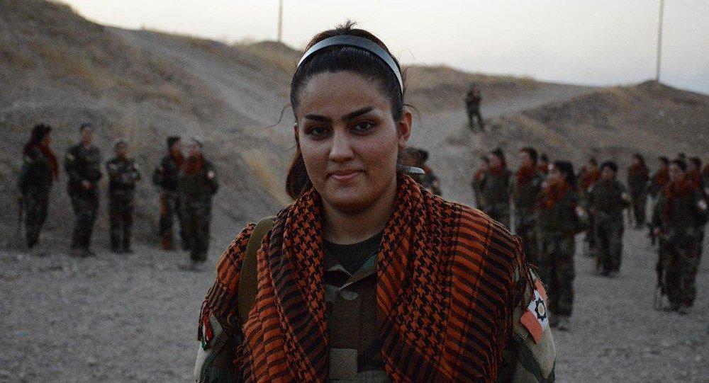 Soldates kurdes engag es contre daech j 39 ignore combien j for Combien coute une sci