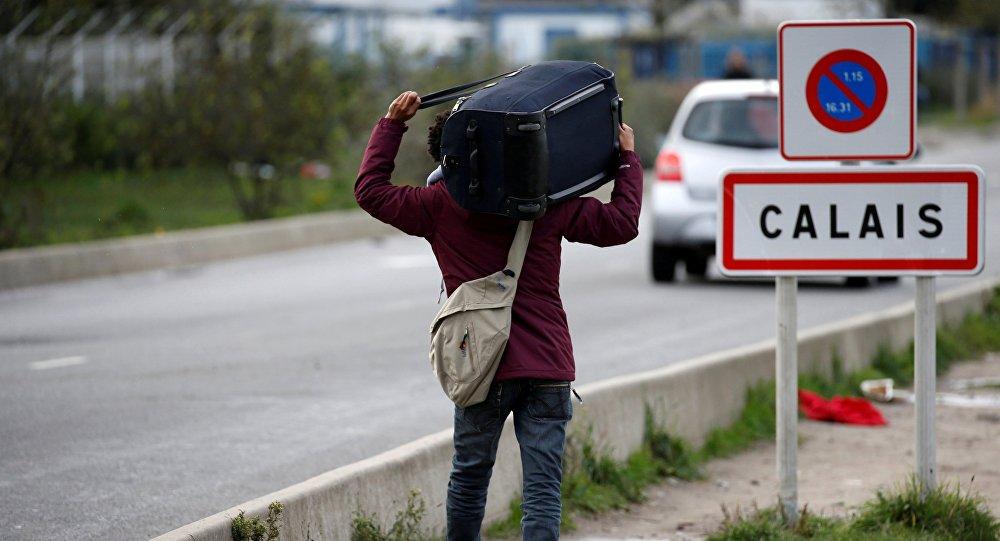 Plus de 60 migrants interpellés — Port de Calais