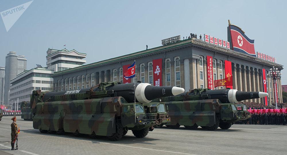 Un défilé millitaire à Pyongyang