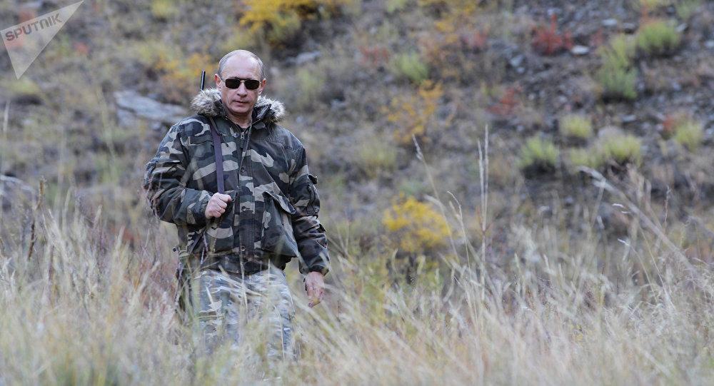 Vladimir Poutine félicite Bachar al-Assad dans sa lutte contre le terrorisme