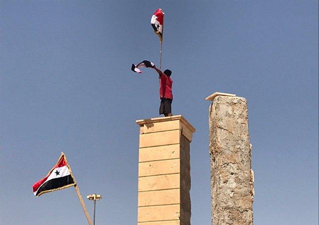 Les habitants de Deir ez-Zor fêtent la 3e grande victoire de l'armée en une semaine