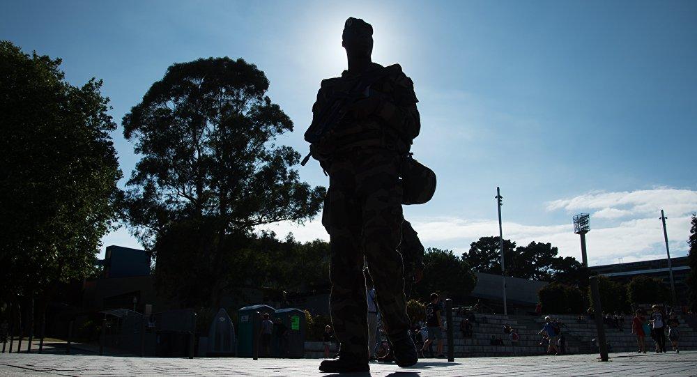 Un militaire de l'opération Sentinelle