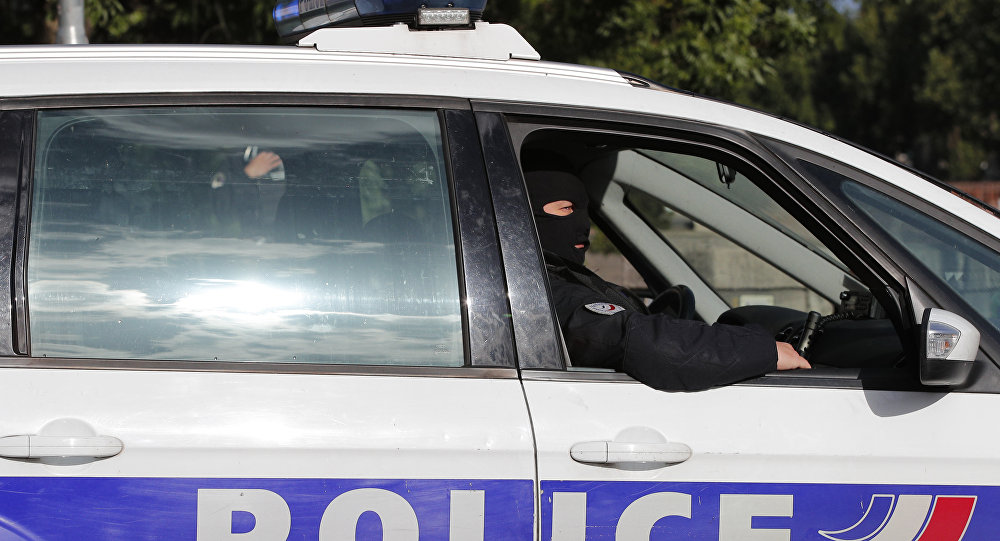Un homme armé retranché dans un commissariat vide — Tulle