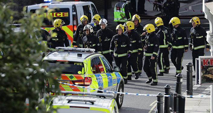 Les services d'urgence près de la station Parsons Green à Londres