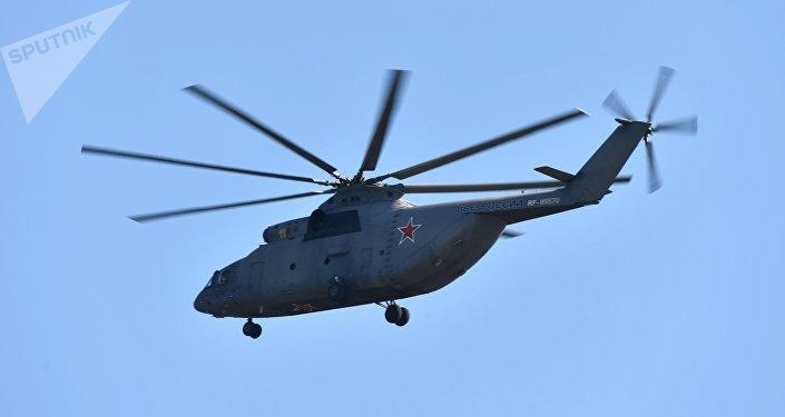 Un hélicoptère lourd