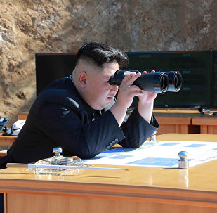 Kim Jong Un lors du tir de missiles