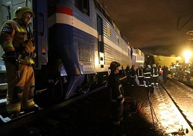 Au moins 16 morts dans une collision train/bus au nord-est de Moscou