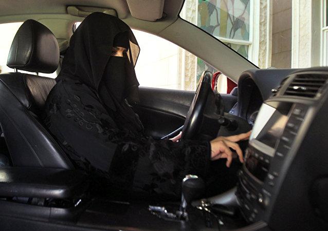 Une Saoudienne au volant