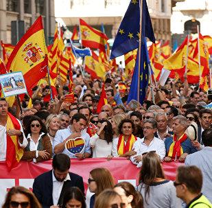 Des saluts fascistes au cours des manifestations anti-indépendance en Espagne (vidéo)
