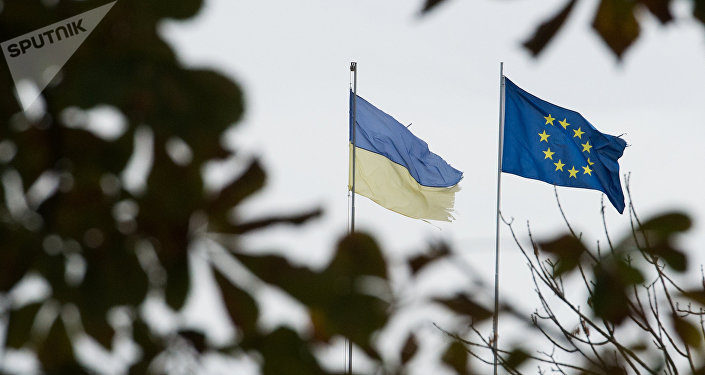 Flags of Ukraine and the European Union in Kiev