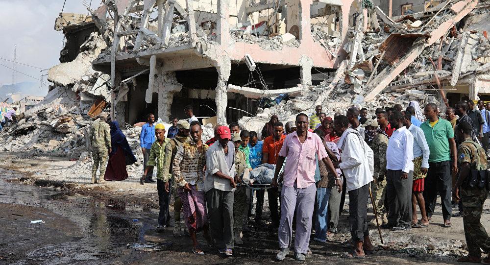 Mogadiscio après l'explosion d'un camion piégé le 14 octobre 2017