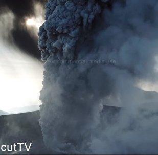 Qui aurait pensé que l'éruption d'un volcan pouvait être aussi magnifique!