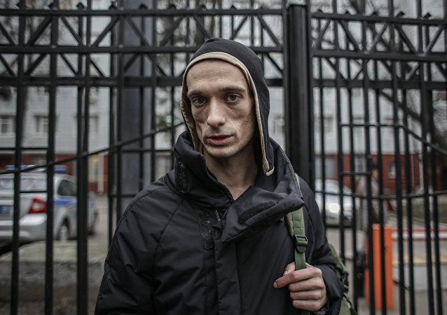 Un sénateur russe raille Pavlenski interné en France: «Ce n'est pas la Russie»