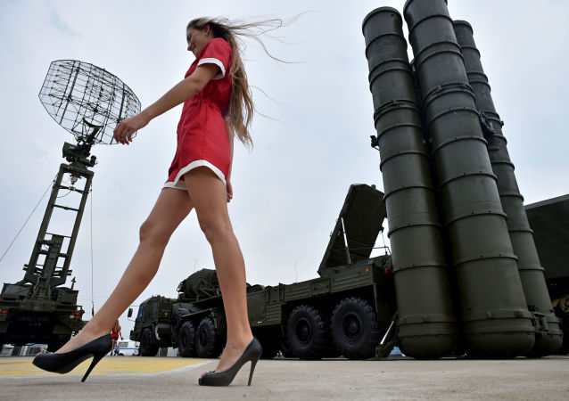 Des femmes et des armes