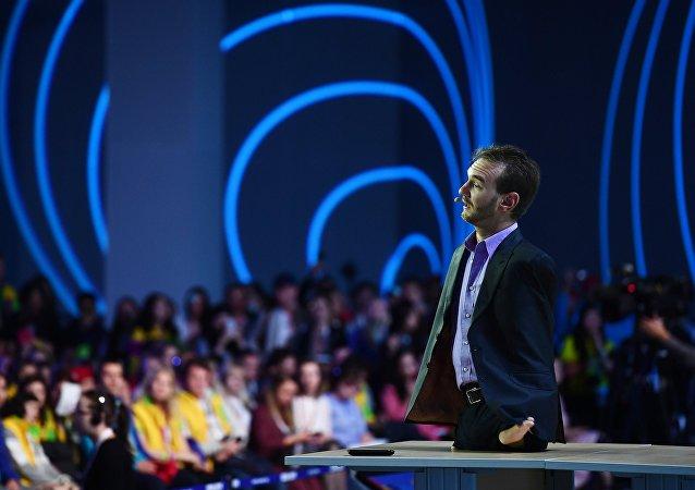 Nick Vujicic au Festival mondial de la jeunesse à Sotchi