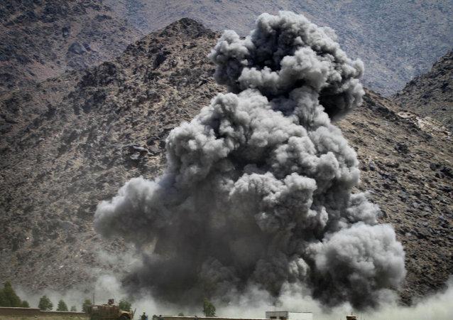 Une frappe contre les talibans en Afghanistan (image d'archives)
