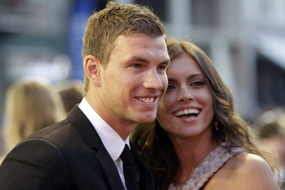 Les plus belles femmes de footballeurs