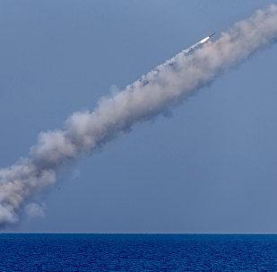 Des missiles russes Kalibr frappent les terroristes en Syrie. Photo d'archive