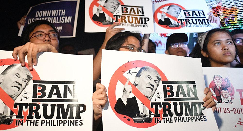 centaines de manifestants à Manille