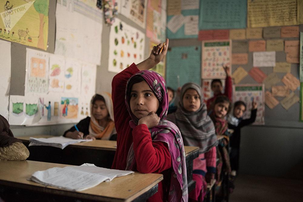 Des élèves de l'école pour anciens enfants des rues Aschiana à Kaboul.