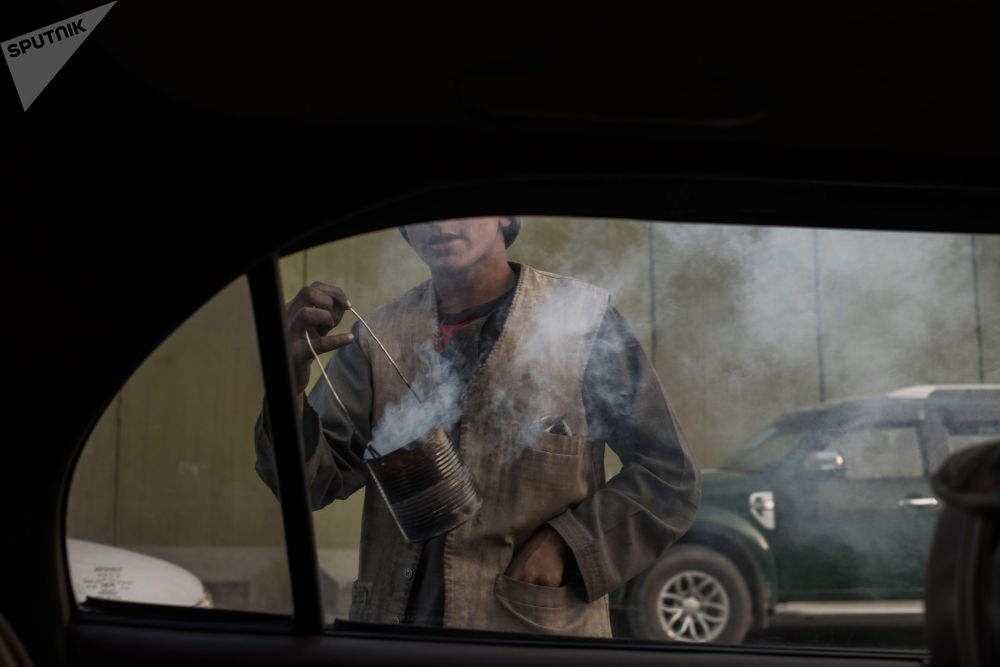 Un vendeur ambulant dans une rue de Kaboul.