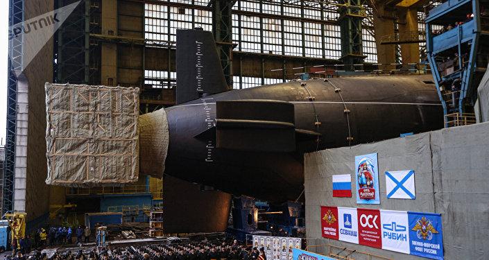 Le sous-marin lanceur d'engins Prince Vladimir lancé en Russie