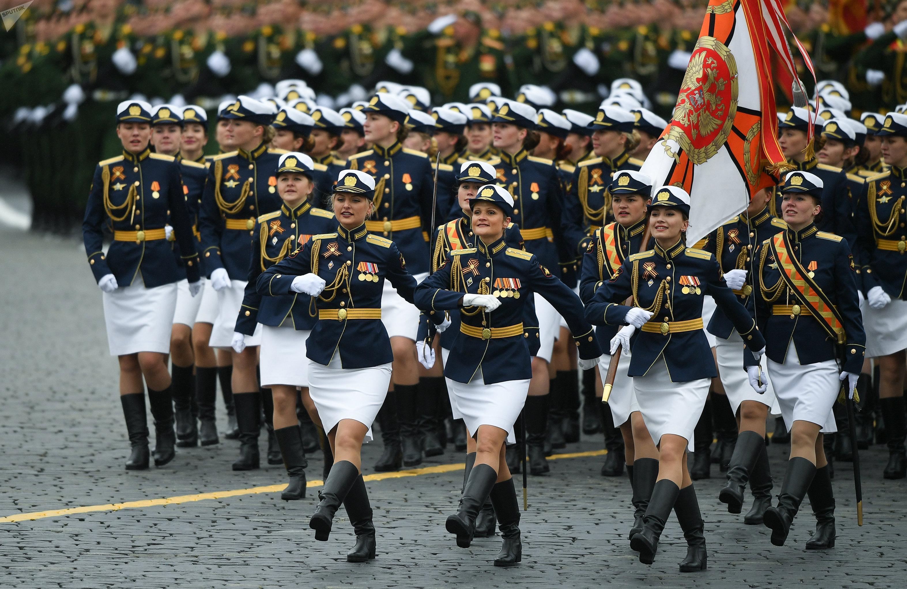 Un défilé à l'occasion du 72e anniversaire de la Victoire dans la Grande guerre patriotique