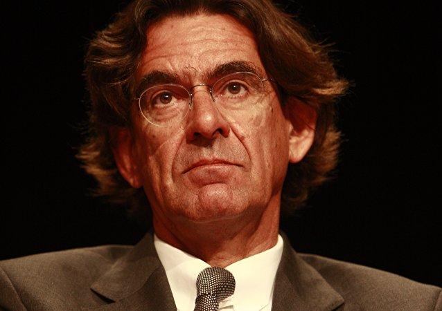 France: Luc Ferry interrogé dans le cadre d'une affaire de pédophilie