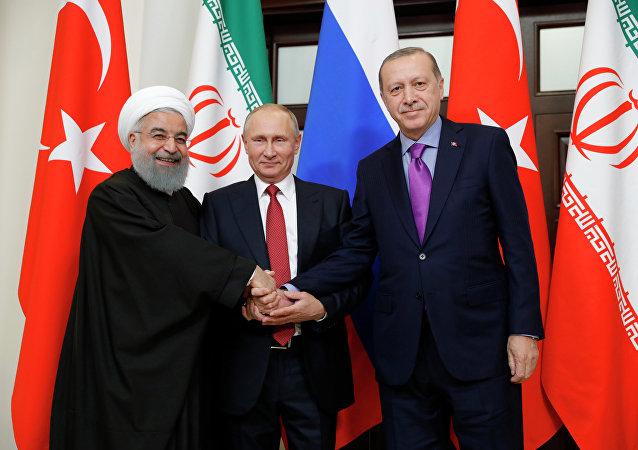La réunion tripartite des Présidents russe, turc et iranien sur l'avenir de la Syrie qui s'est tenue mercredi à Sotchi