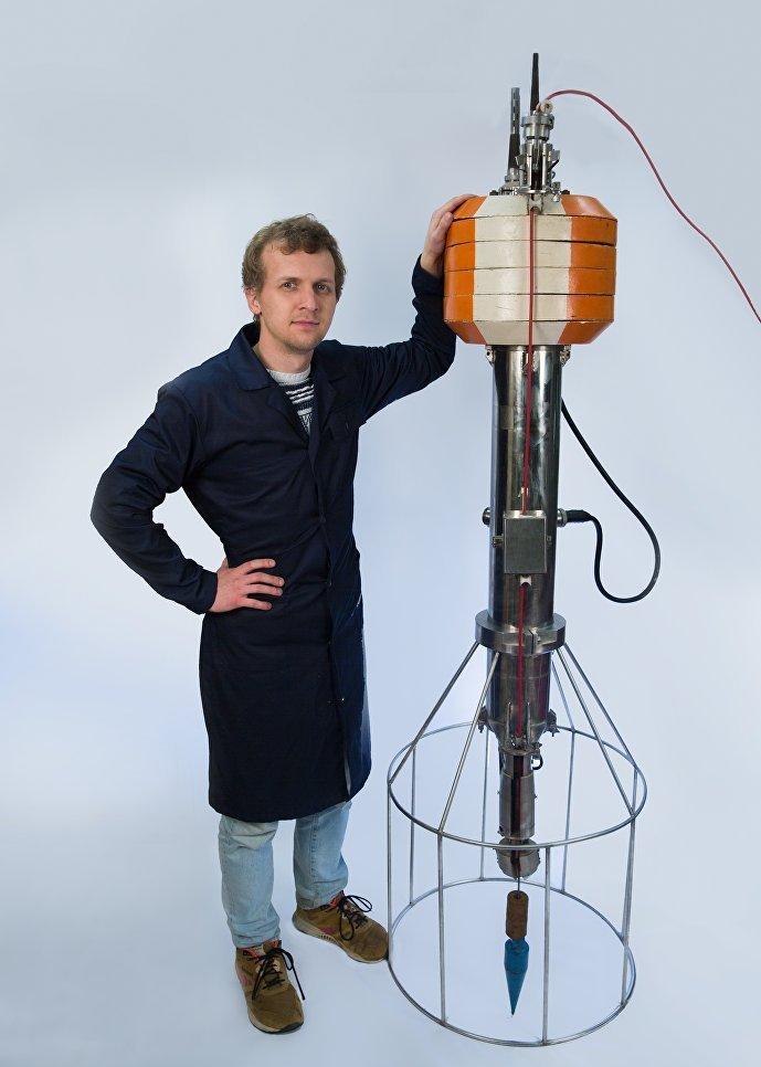 La première sonde multicanal russe à liaison radio a été développée et construite par le MEPhI en 1971. Elle était destinée à mesurer les paramètres hydrophysiques de l'océan par un sondage vertical.