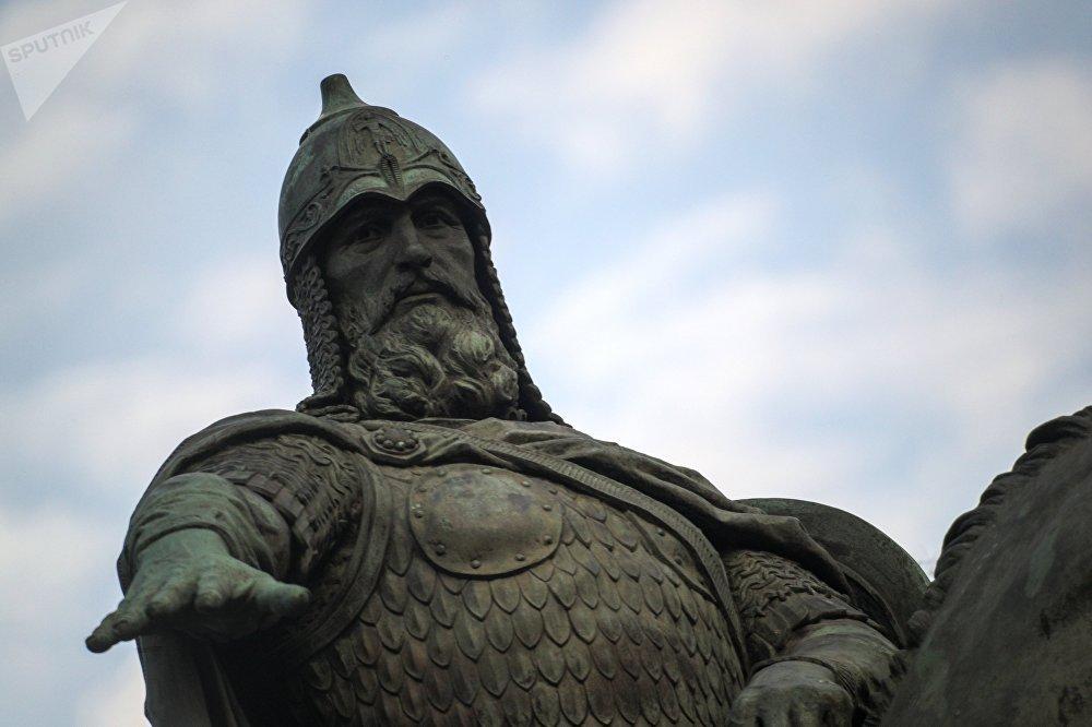 Le monument au prince Iouri Dolgorouki à Moscou