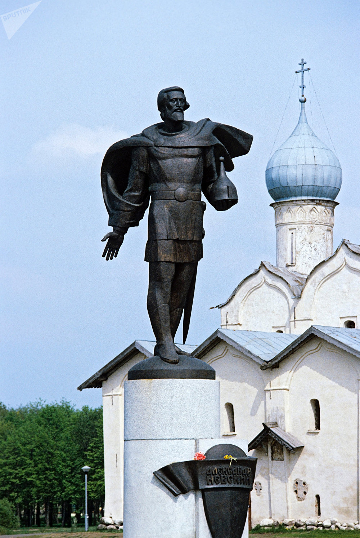 Monument au prince Alexandre Nevski à Novgorod