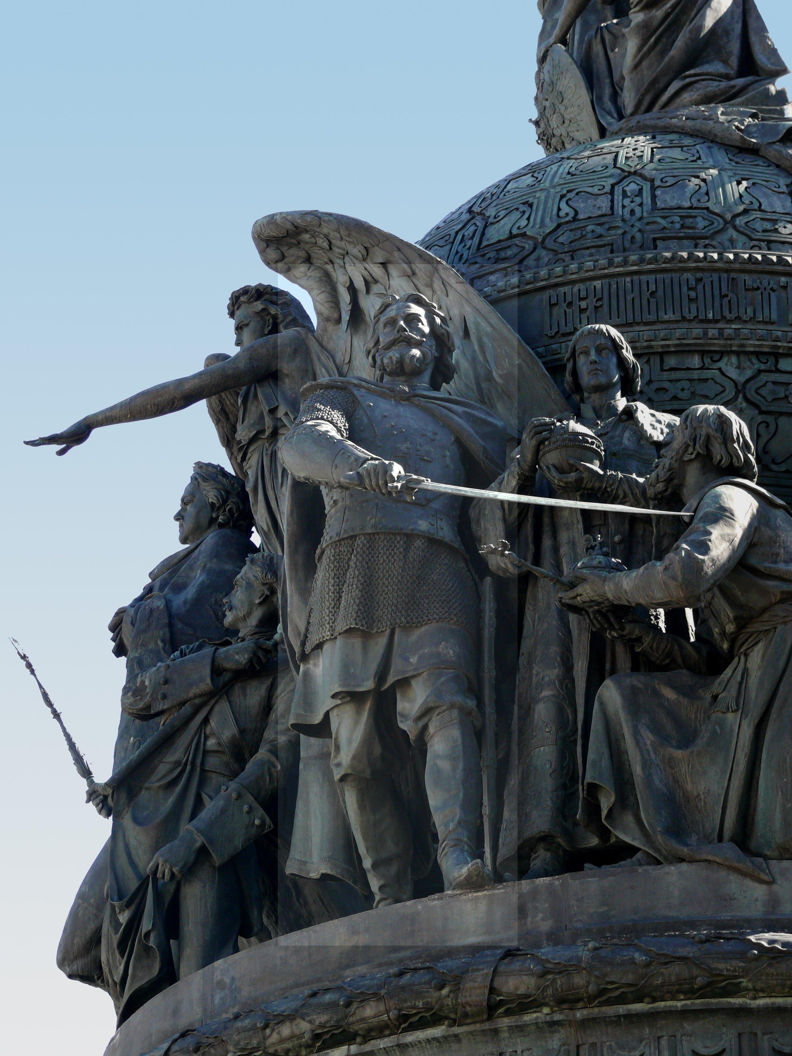 Le prince Dmitri Pojarski sur le monument consacré au Millénaire de la Russie à Veliki Novgorod