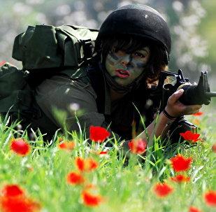 Une femme-soldat israélienne