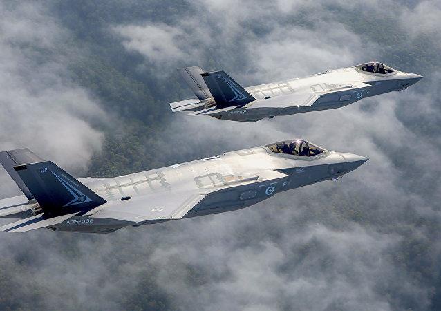Deux chausseurs F-35
