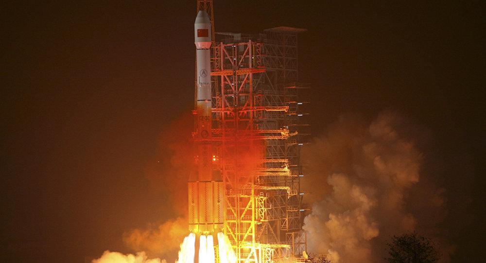 L'Algérie lance son premier satellite de télécommunications