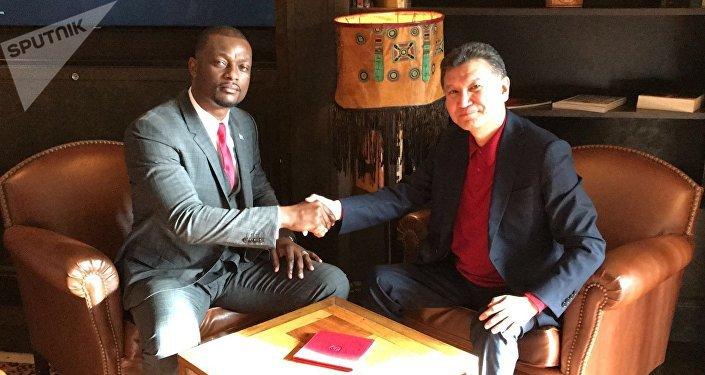 La voix du peuple, c'est la voix de Dieu : entretien avec Francis Mvemba