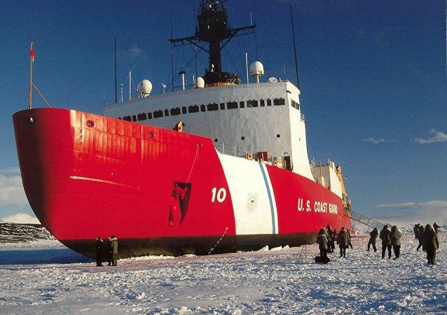 Le brise-glace Polar Star
