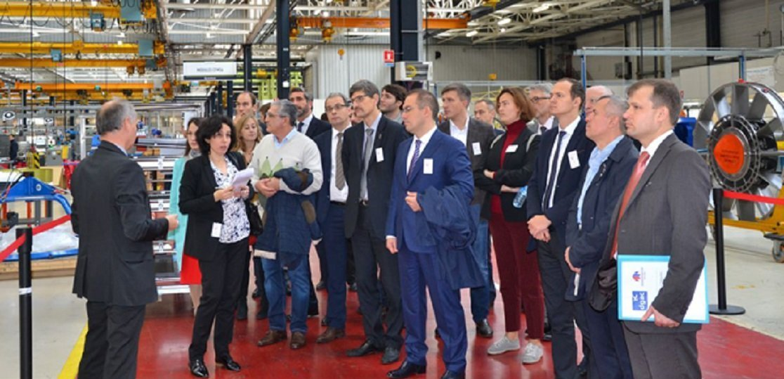 Discussion de la coopération entre la Russie et la France dans le domaine de l'ingénierie aéronautique