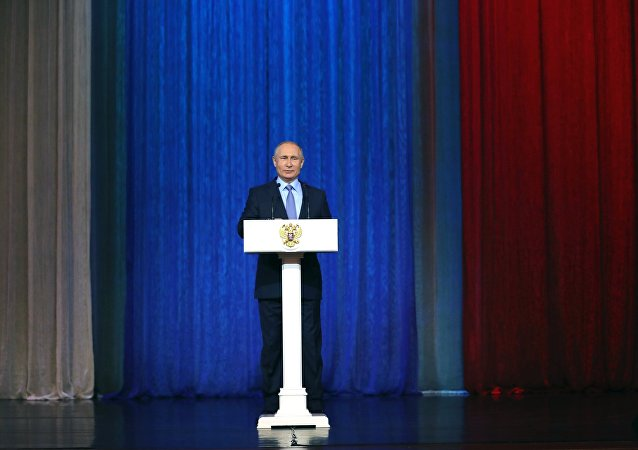 Vladimir Poutine félicite les services de sécurité russes à l'occasion de leur 100e anniversaire